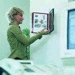 Durable 556700 Vario Wall Support Métallique Mural 10 Pochettes pour Consultation et Présentation Documents A4 Pochettes/5 Coloris Assortis de la marque Durable image 3 produit